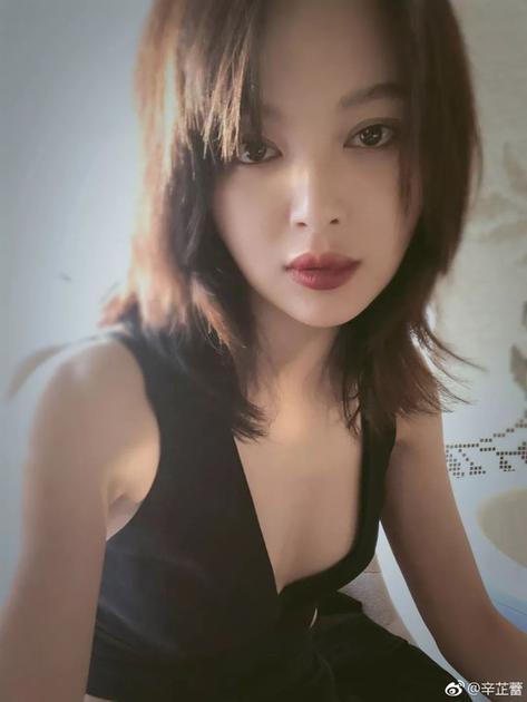 锁骨发+八字刘海
