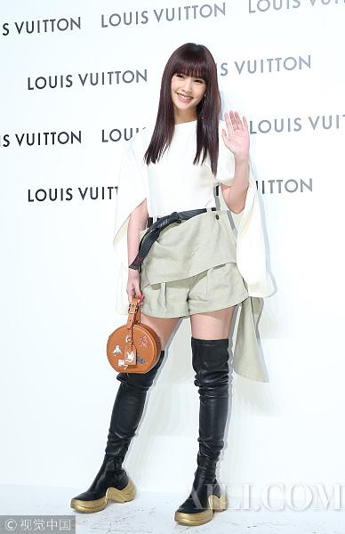 出道19周年杨丞琳剪了自己从前标志性的刘海