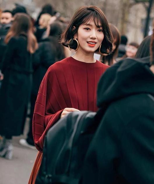 朴信惠巴黎时装周街拍图