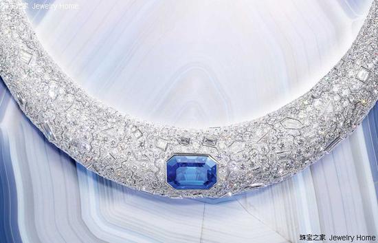 Piaget 伯爵 Sunlight Escape Choker项圈,18K白金,祖母绿形切开蓝宝石,钻石