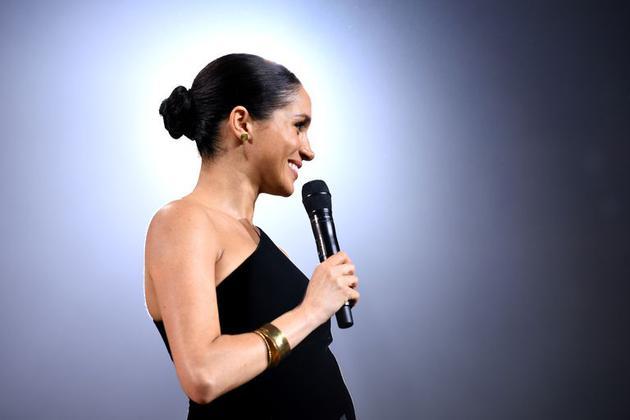 梅根现身2018英国时装颁奖典礼