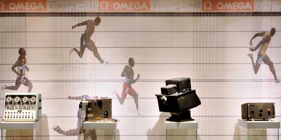 博物馆内展出的欧米茄为奥运会百米冲刺制造的精准计时器