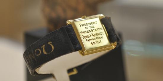 欧米茄博物馆内可谓最重要的一枚展品——美国前总统肯尼迪的欧米茄腕表