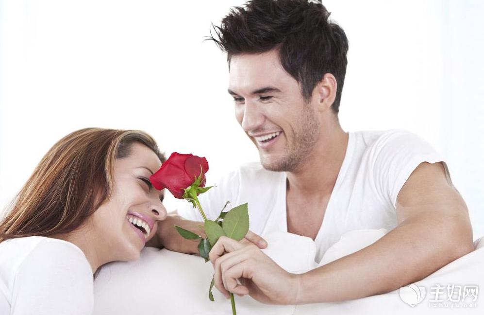 妻子在丈夫面前的撒娇,是一种表达自己爱意的方式